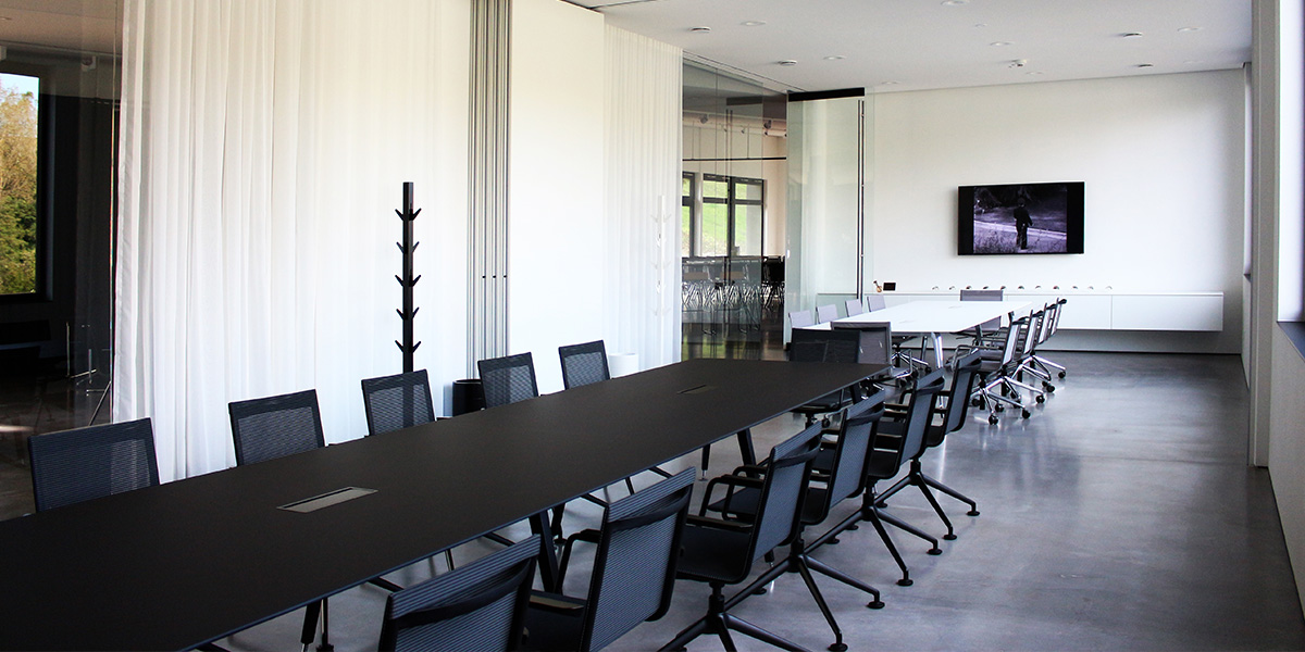 SCHNEEWEISS interior Experience Center | Meetingroom